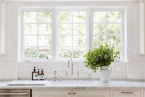 high slab backsplash    perfect kitchen