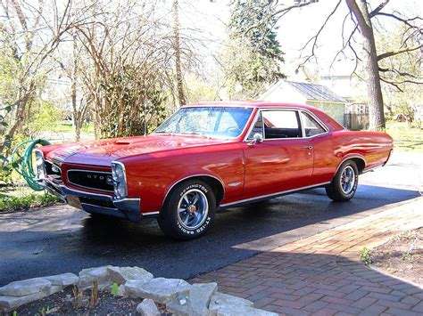Pontiac Car : Fab Wheels Digest (f.w.d.)