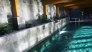 Decorative wall design, expensive swimming pool with