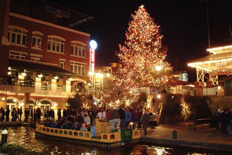 christmas lights edmond ok 7 christmas things to do in oklahoma