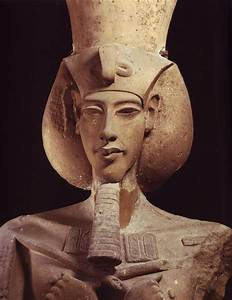Photograph of Akhenaten statue, Egyptian Museum Cairo ...