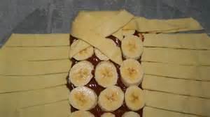 tablette pour recette de cuisine dessert avec pate feuilletée et chocolat