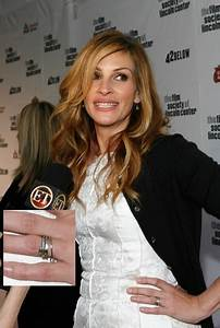 julia roberts celebrity engagement rings stylebistro With julia roberts wedding ring