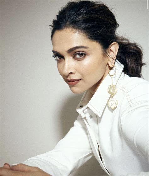 Pin by Dia Otari on Deepika Padukone in 2020 | Deepika ...