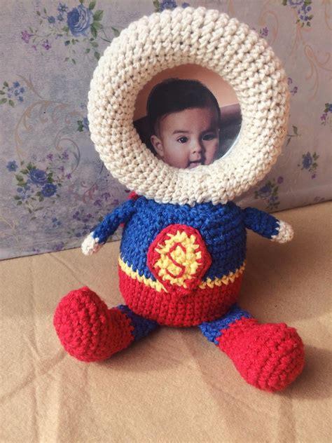 Porta retrato super homem de crochê amigurumi no Elo7