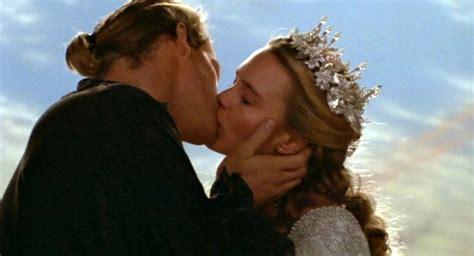 baiser sur le bureau 19 choses que vous ne savez probablement pas sur le baiser