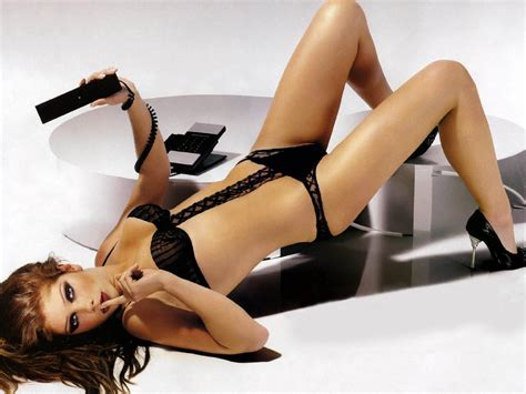 Famosa desnuda pelicula online picture