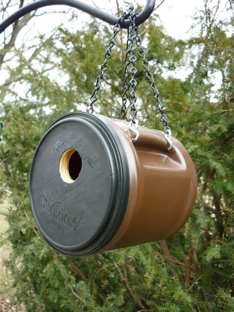 Cafenea sau patiserie, the birdhouse coffee shop abilene, statele unite ale americii, ore de. Coffee container birdhouse http://www.etsy.com/shop/BirdShopCafe   Bird houses diy, Bird house ...
