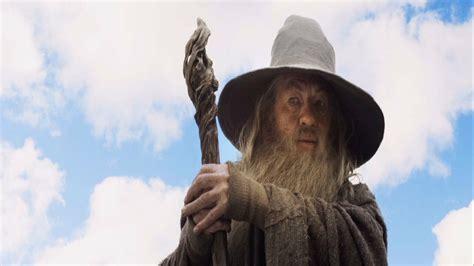 Lead like the Wizard Gandalf of Tolkien's Fantasy World