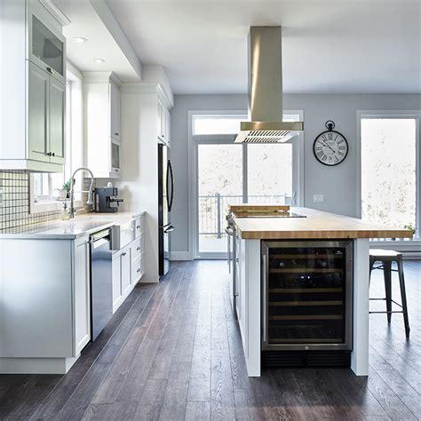 rangement arri鑽e cuisine amenagement cellier cuisine maison design bahbe com