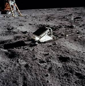 Apollo 11 Flag On Moon (page 2) - Pics about space
