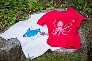 T Shirt Bemalen Schablone : kostenlose anleitung t shirts besticken und bemalen ~ Frokenaadalensverden.com Haus und Dekorationen