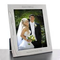 wedding picture frames 25 creative wedding picture frames picsoi