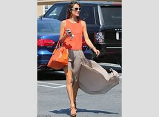 Alessandra Ambrosio accidentally shows off her perfect