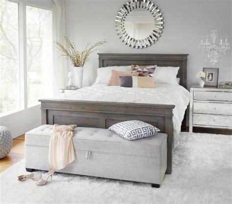 ikea catalogue chambre a coucher 40 idées pour le bout de lit coffre en images