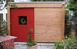 Schiebetür Für Gartenhaus : gartenhaus mit roter schiebet r villani holz im garten ~ Whattoseeinmadrid.com Haus und Dekorationen