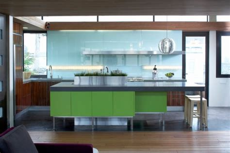 Adorable Kitchen Designs With Tones Of Vibrant Colors