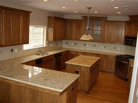 what color countertops go with oak cabinets 90 granite that goes with oak cabinets giallo