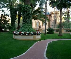 Modern homes beautiful garden designs ideas.