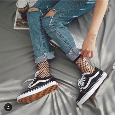 Best 25+ Fishnet socks ideas on Pinterest | Grunge shoes Sneakers women and Skate fashion