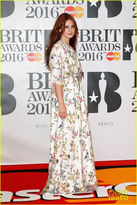 Karpet Scoopy 2016 nominees florence welch hit the brit awards