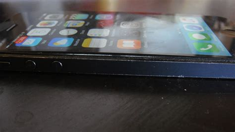 how to keep iphone screen on why is my screen bowing out on my iphone 5 ask different