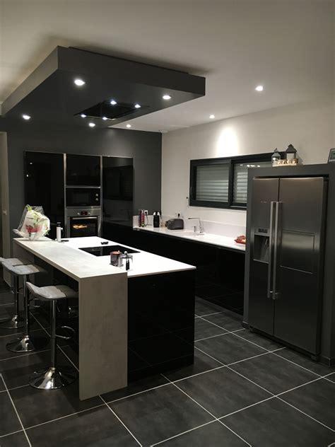 ilot cuisine repas cuisine et blanche cuisines habitat