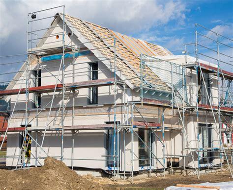 Ein Haus Bauen by Haus Selber Bauen Eigenleistung Beim Hausbau Bauen De