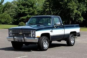 1985 Chevrolet Silverado 1  2 Ton  305 4bbl  4spe Auto  4 U00d74