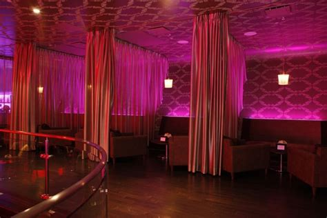 10 diy nightclub makeovers with velvet curtains lushes