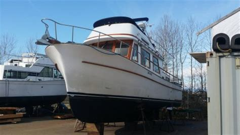 chb puget trawler  full service shipyard
