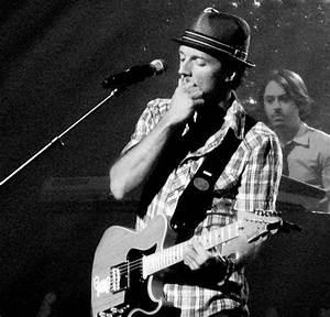 band, gerold butler, guitar, hat, jason mraz, live - image ...