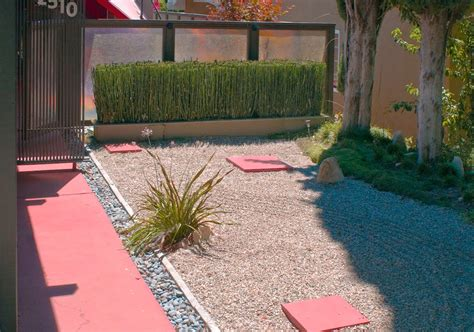 Simple And Easy Backyard Landscaping Modern House Design