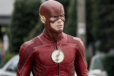 The Flash Season 5 New Suit Photo