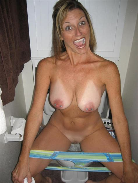pee in gallery milf picture 2 uploaded by hots4sex