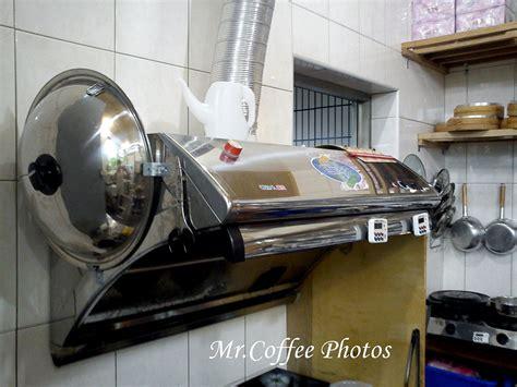 傳統的排油煙機 就是將油煙擠進那根小小的管子 排到戶外