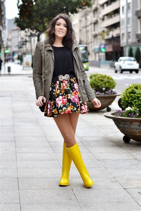 20 Rainy Day Outfit Ideas | StyleCaster