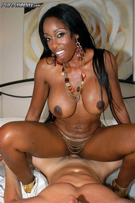 Busty Ebony Codi Bryant Fucks And Sucks Pichunter