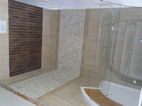 salle de bain galets carrelage imitation teck salle de bain images