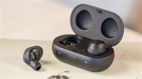 samsung gear iconx review small smart flawed tech advisor