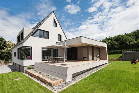 Moderne Architektur Häuser Kaufen by Nowoczesne Dobud 243 Wki Do Klasycznych Dom 243 W