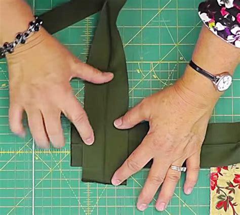 Quilt Binding Tutorial: Jenny Doan Of Missouri Star ...