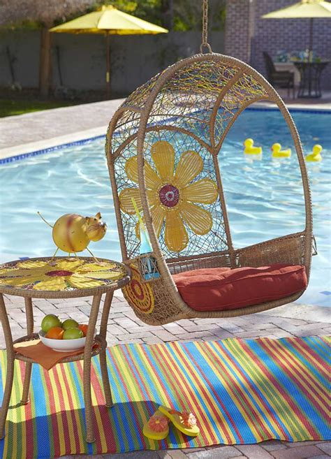 Wicker in Colors: Garden Decor Inspirations by Pier1