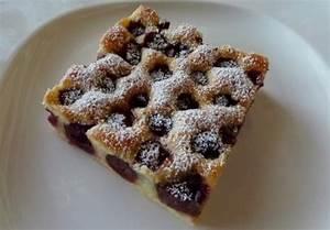 Käse Kirsch Kuchen Blech : schneller kirschkuchen vom blech rezept essen und trinken ~ Lizthompson.info Haus und Dekorationen