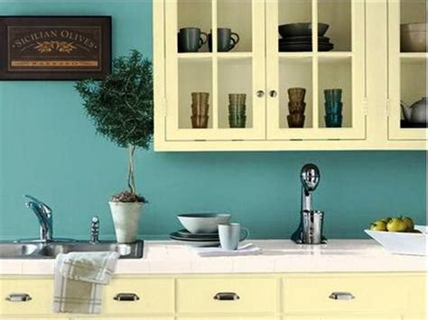 small kitchen cabinet colors colors to paint my kitchen kitchen design ideas 5415