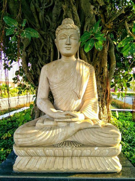 buddhismo  gli  passi  conoscerlo  praticarlo