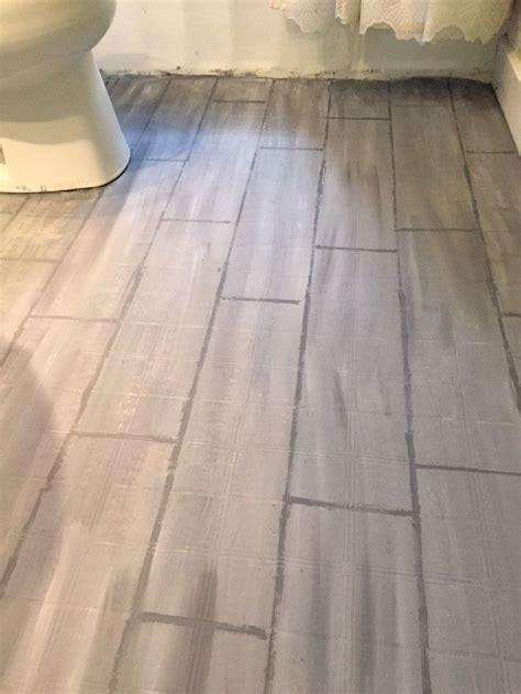Alte Fliesen Bemalen by 17 Best Ideas About Painted Bathroom Floors On