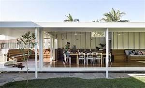 An Extended Garden Pavilion Enhances a 1920s Cottage