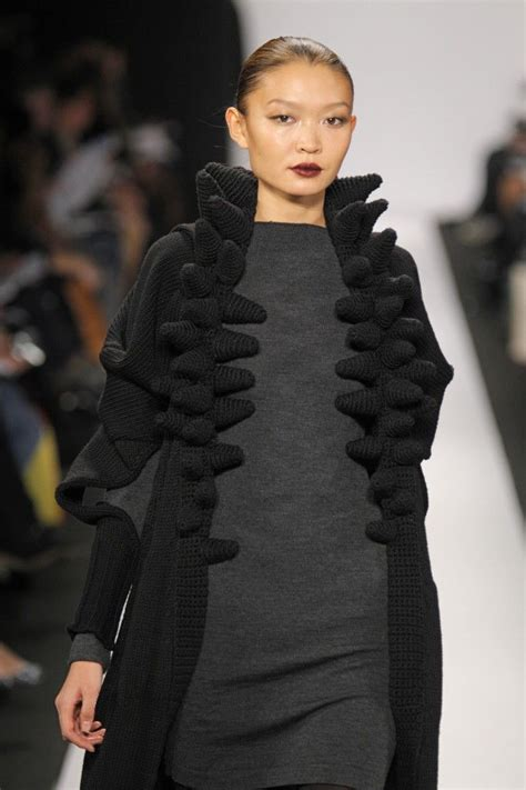 Steven Oo MFA in Fashion Design and Knitwear Design ...