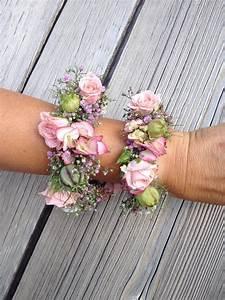 Blumen Im Sommer : sommer hochzeit braut armschmuck blumen rosen ~ Whattoseeinmadrid.com Haus und Dekorationen